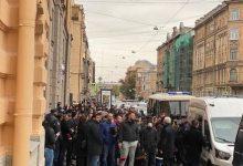 Photo of Azərbaycanlılar Sankt-Peterburqdakı konsulluq binasının qarşısına axışdı – FOTO/VİDEO